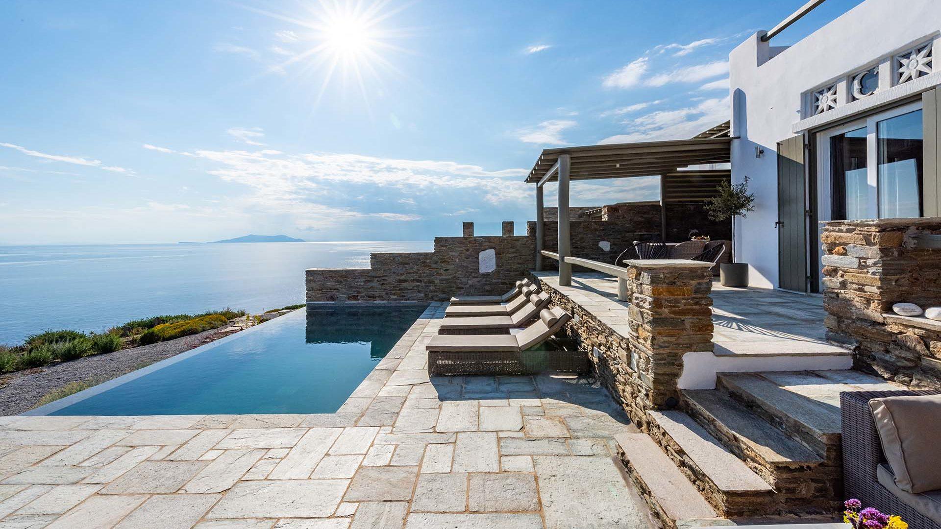 Πολυτελείς Βίλες στην Τήνο με Πισίνα | Vathi Bleu Private Villas