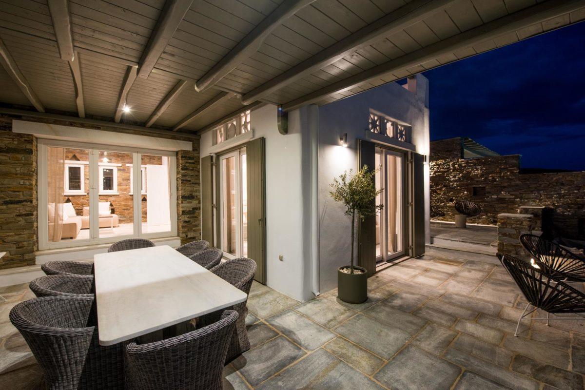Οικογενειακή Βίλα στην Τήνο | Vathi Bleu Private Villas | Θέα στο Αιγαίο